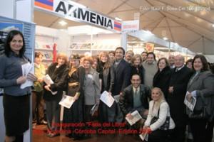Presencia de distintas comisiones directivas de la comunidad armenia de Córdoba en el stand.