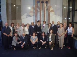 La Ministra, el Embajador Karmirshalyan y su esposa, junto a integrantes del Consejo Regional Sudamericano de la O.D.L.A. al frente de nuestra sede.