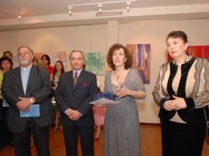 De izq. a der.: Mons. Kissag Mouradian, Embajador Vladimir Karmirshalyan, Prof. Diana D. de Pérez Valderrama y Dra. Hranush Hakobyan.